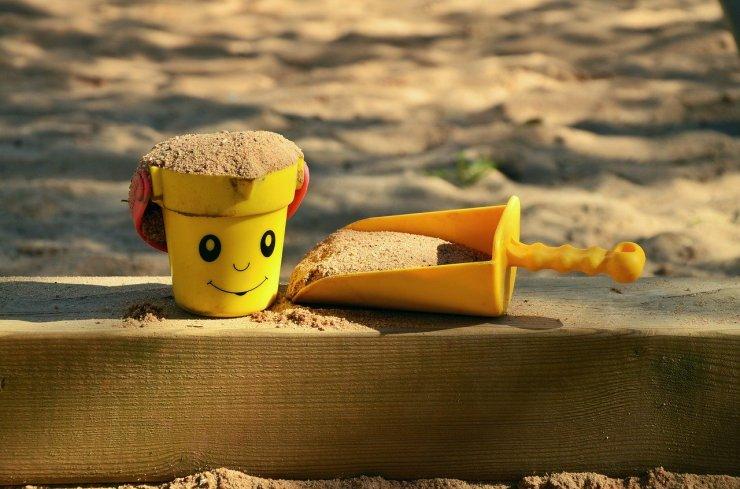 sand-pit-1345728_1280